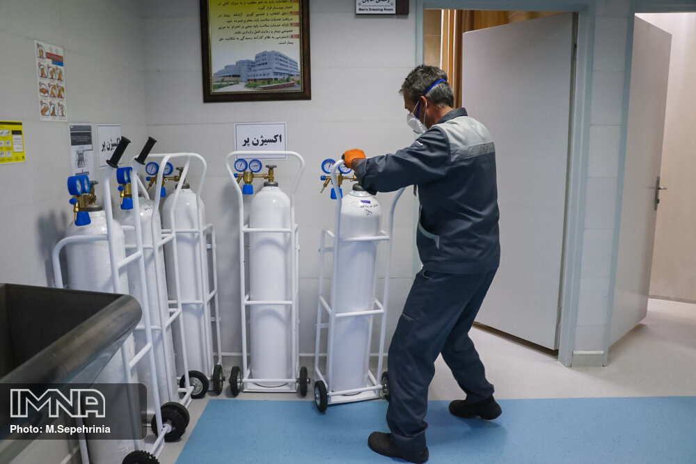 ۵۰ دستگاه اکسیژن ساز ایرانی برای بیمارستانهای کرونایی خریداری شد