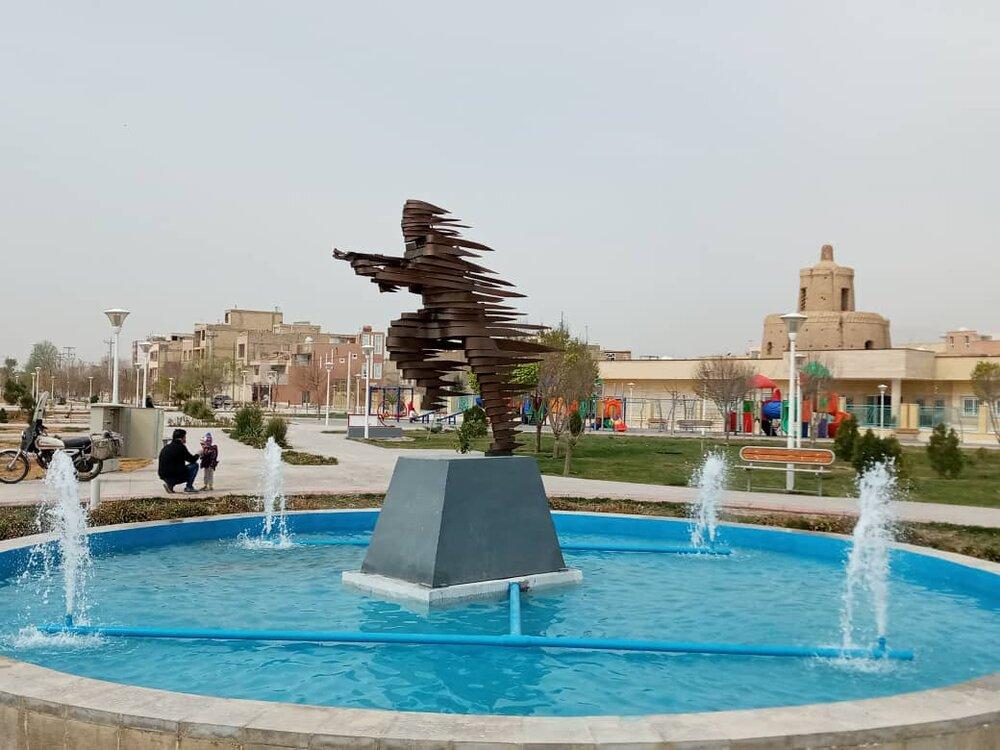 نصب نماد ایثار و مقاومت در بوستان شهدای مدافع حرم
