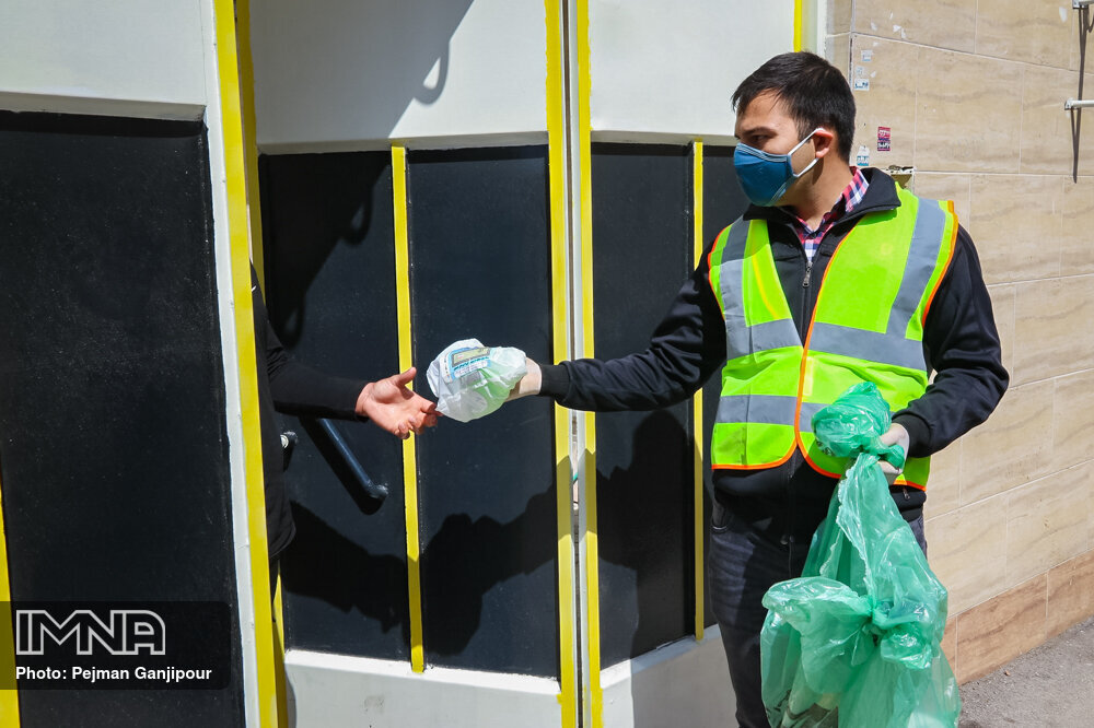 توزیع حدود ۱۵ هزار بسته بهداشتی در محلههای کمتربرخوردار منطقه ۱۰