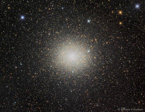 خوشههای ستارهای کروی چه ویژگی هایی دارند؟