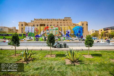 اجرای ۱۲۰۰ مترمربع فضای سبز در پروژه ساماندهی میدان امام حسین(ع)
