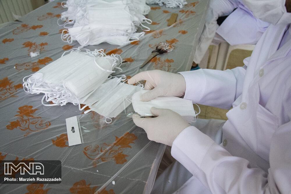 تولید ماسک در امامزاده ستی فاطمه(س)