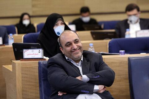 انتقاد شدید عضو شورا به انتقادستیزی شهردار مشهد