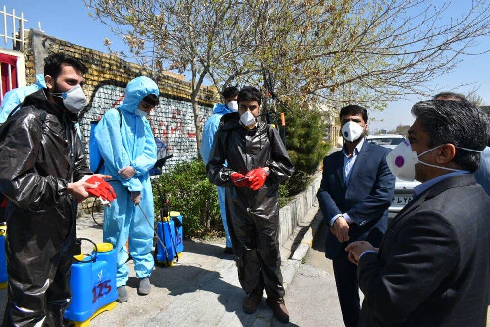 گندزدایی نقاط آلوده و فضاهای عمومی مشهد به صورت شبانهروزی