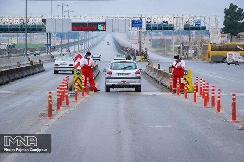 پلیس از ورود ۵۹۵ خودرو به شهرهای استان اصفهان جلوگیری کرد