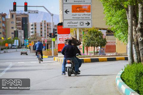 تردد خودروها در شهر اصفهان از در منزل ممنوع نیست