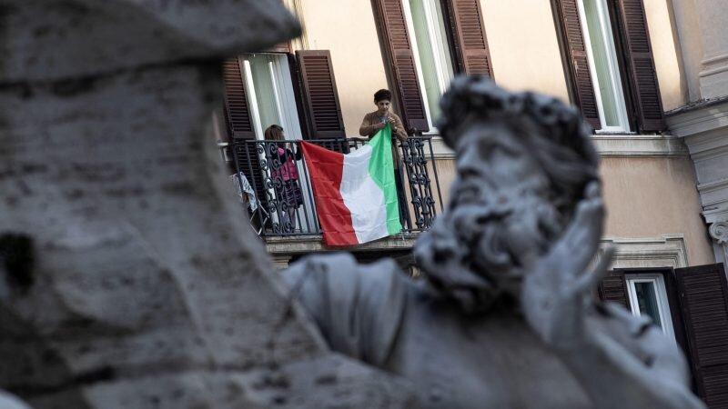 برای زندگی در یکی از شهرهای ایتالیا پول پرداخت میشود
