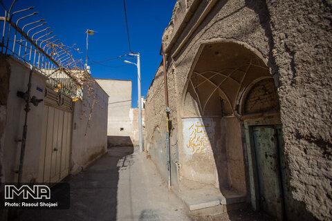 معماری خانههای محله جوباره متصل بودن تمامی خانهها در گذشته بوده است، با این معماری در زمان جنگ یا وجود خطر میتوانستند با حفظ اتحاد خطرات را خنثی کنند.