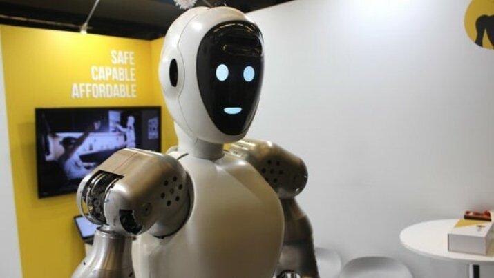روبات هایی که به کمک بیماران کرونایی میآیند