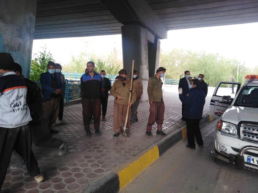 توزیع یک هزار ماسک قابل شست و شو بین کارگران فصلی در اصفهان