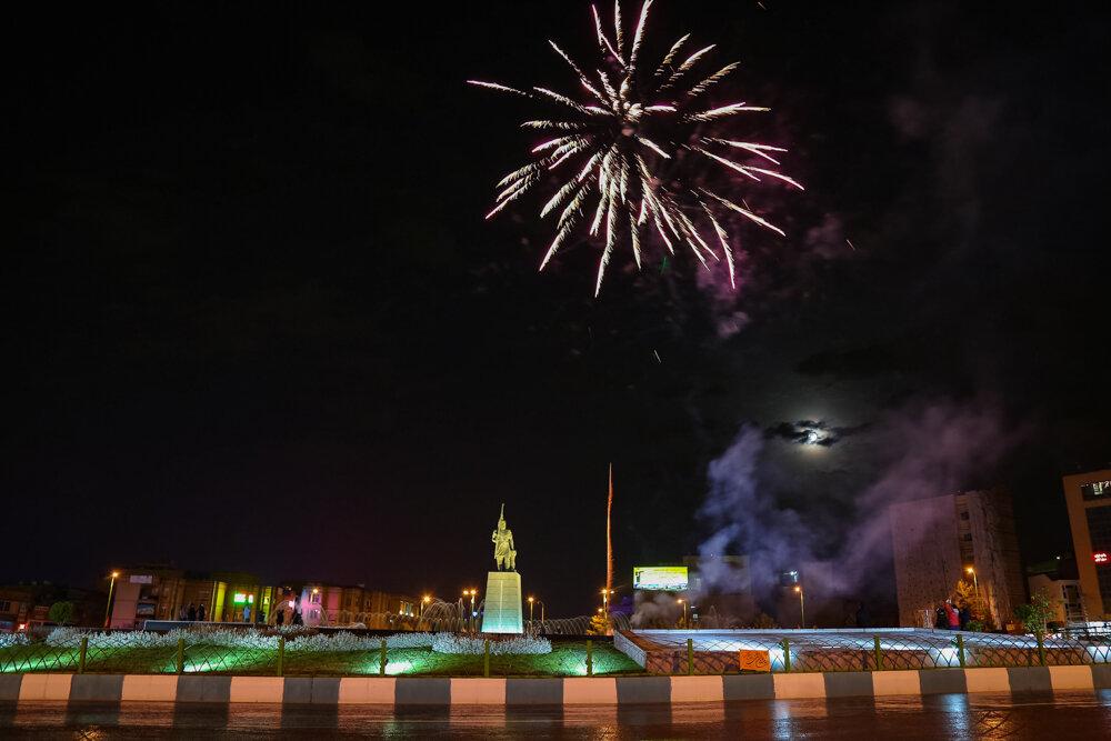 از برگزاری جشنواره «پنجرههای رو به امید» تا محله های عمودی