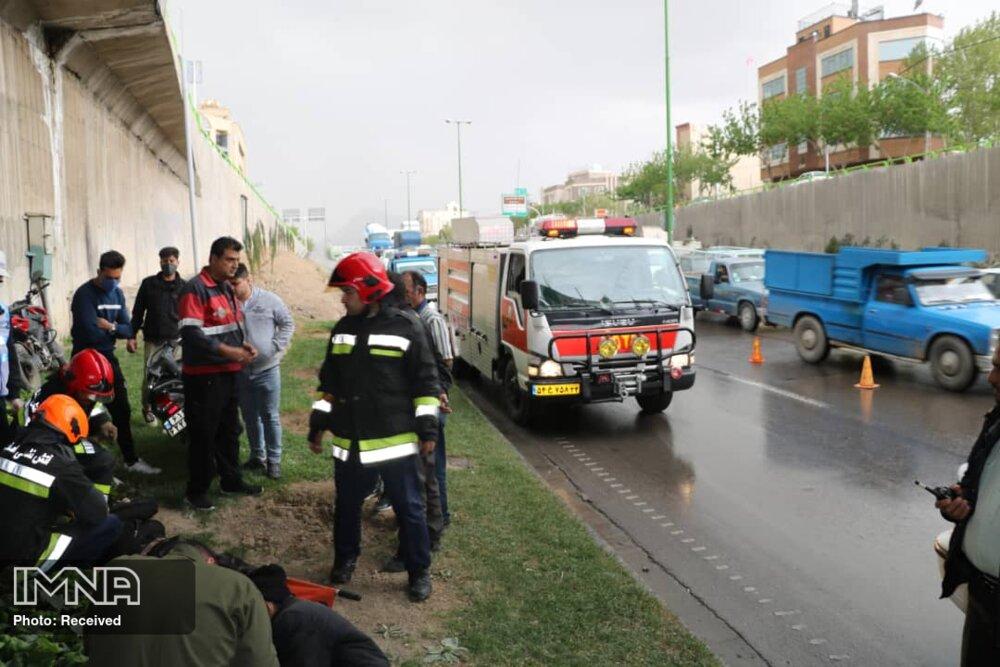 تجمع در محل حادثه باعث یک تصادف دیگر شد