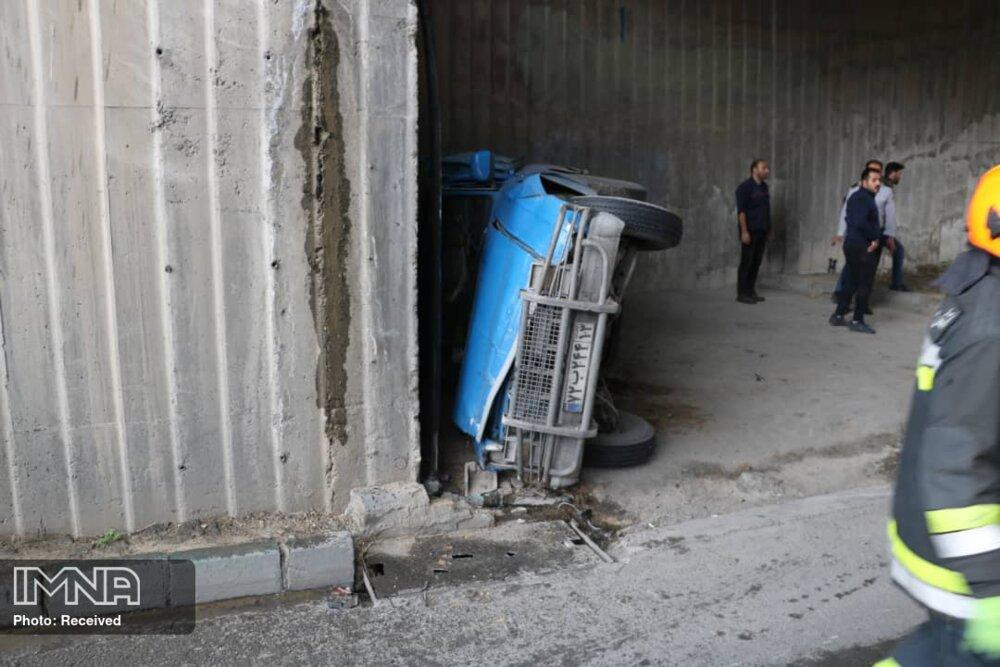 یک کشته و یک زخمی در تصادف نیسان و موتور سیکلت در اصفهان