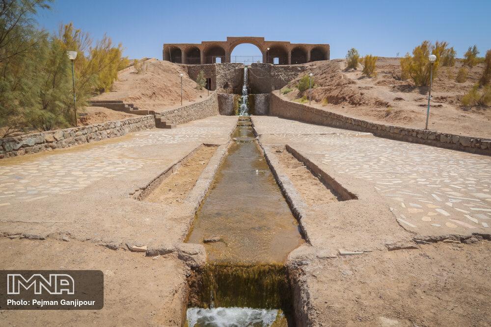 آبشار جندق؛ مکانی دلنواز در دل کویر