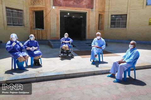 تعلل در واکسیناسیون سالمندان توسط دانشگاههای علوم پزشکی ۷ استان