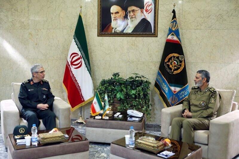 سرلشکر باقری با فرمانده کل ارتش دیدار کرد