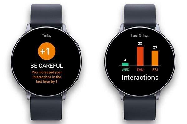 دستبند الکترونیک فاصله گذاری اجتماعی را یادآوری میکند