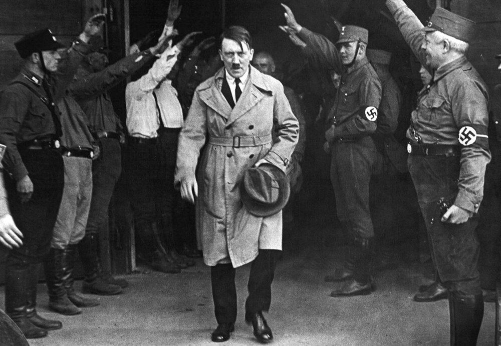 هیتلر، دیکتاتور نازی ها + زندگینامه و فیلم