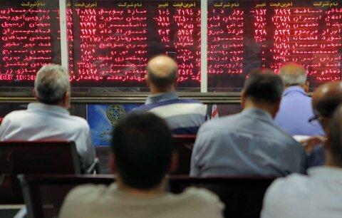 عرضه عمده سهام نداشته باشیم، بورس سقوط میکند