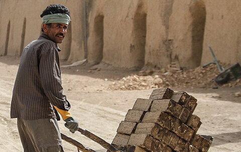 مطالبات قانونی کارگران پرداخت شود