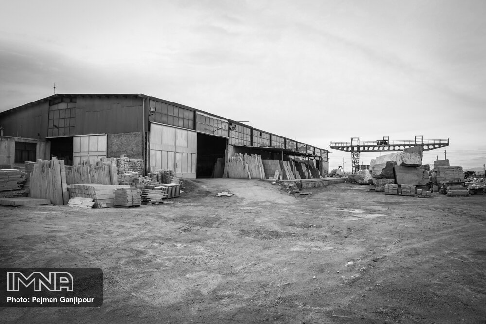 بازسازی صنایع در اصفهان ضروری است