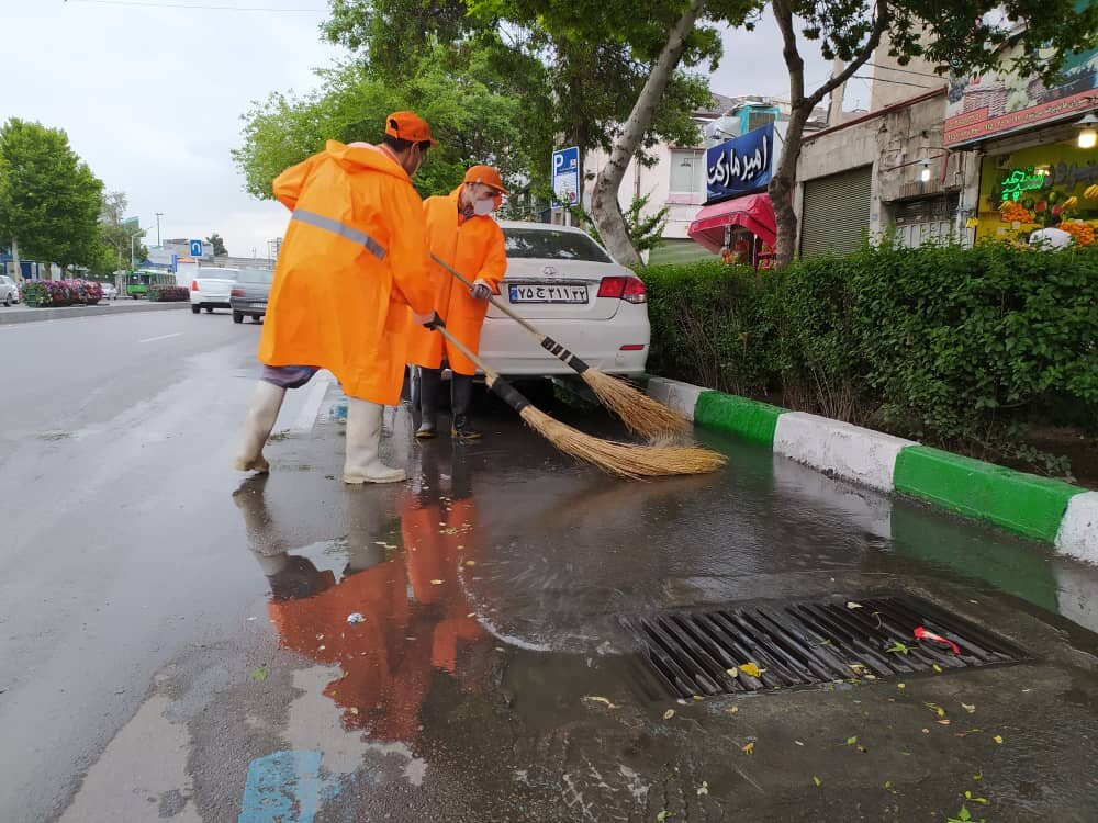 ایجاد آب گرفتگی در برخی از نقاط شهر مشهد /آماده باش تمامی نیروها