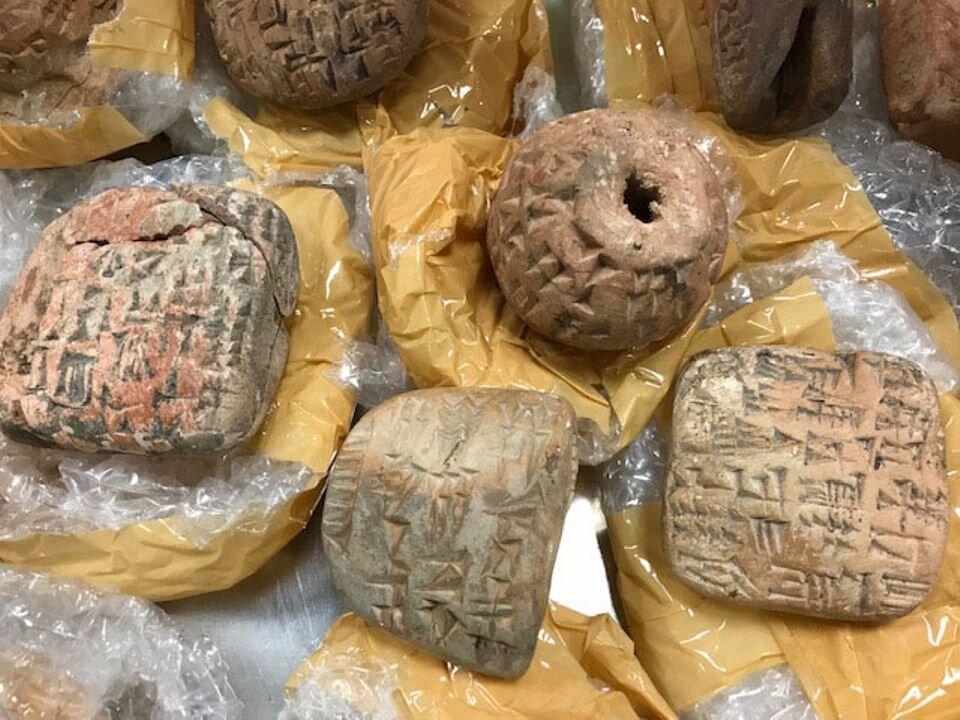 توقیف دو محموله از آثار باستانی جعلی عراقی