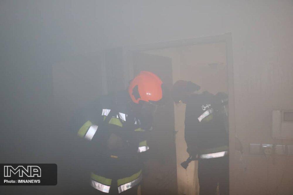 آتش سوزی منزل مسکونی در خیابان لاهور+عکس