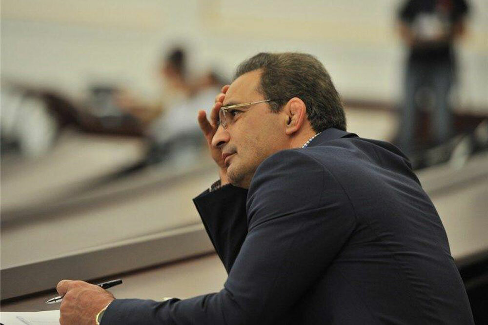 امیررضا خادم:استقلال و پرسپولیس قابل واگذاری نیستند