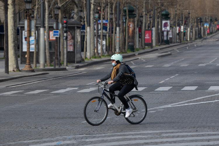 دوچرخه سواری در شهر باعث رعایت فاصلهگذاری اجتماعی میشود