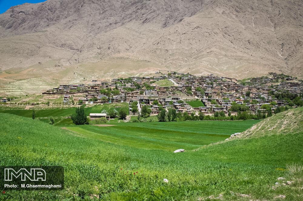 طرحهای مرتعداری در ۱.۴ میلیون هکتار از اراضی اصفهان اجرا میشود