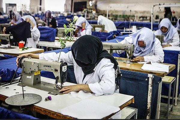 سالانه به ۶۰ هزار زن سرپرست خانوار مهارتهای زندگی ارائه میشود