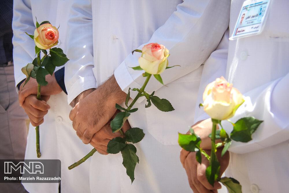 تقدیر از کادر درمانی به مناسبت روز جهانی پرستار