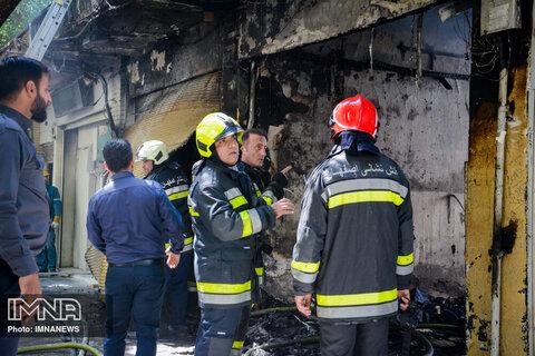 کارگاه تولید کیف و ساک دستی در آتش سوخت
