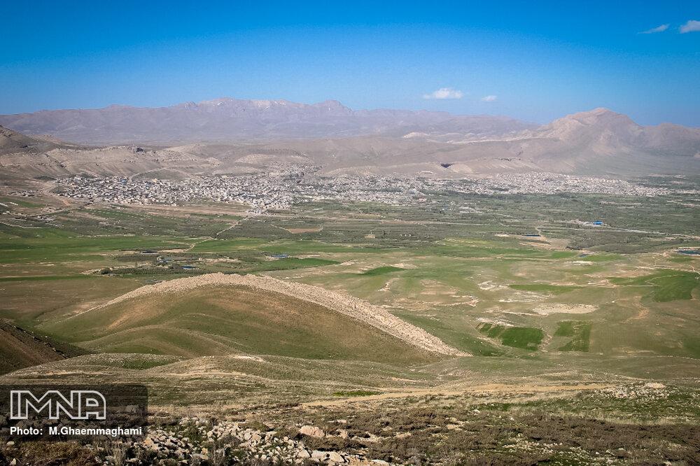 یک هکتار از مراتع منطقه حنا سمیرم دچار حریق شد