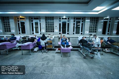 ذخیره بانک خون اصفهان حدود ۵ روز است/ اهدای خون ۳۵۰ نفر به طور روزانه