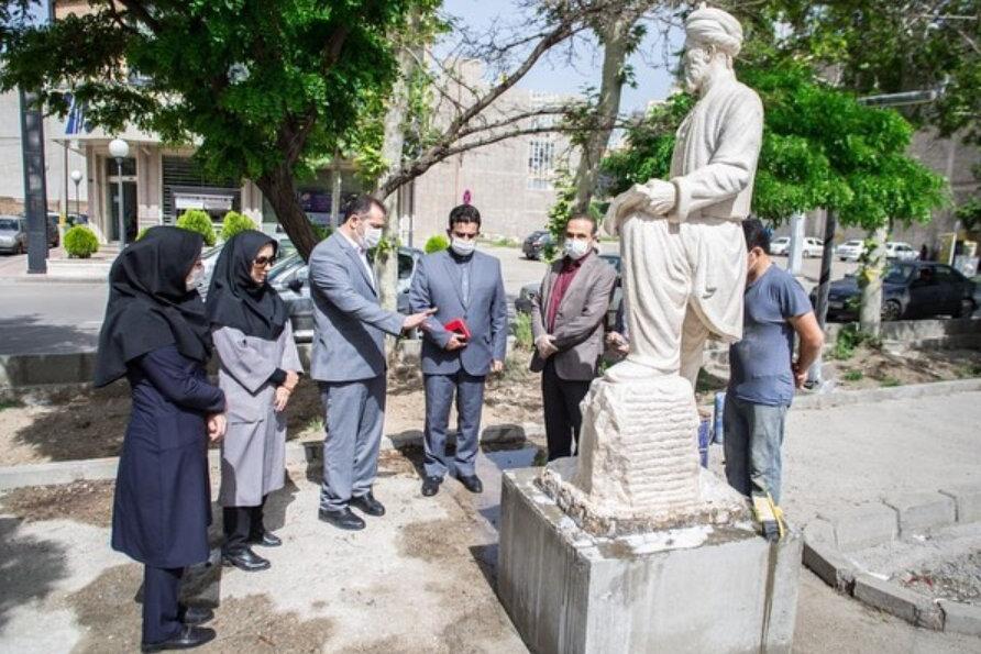شهروندان قزوینی نگران مجسمه فردوسی نباشند