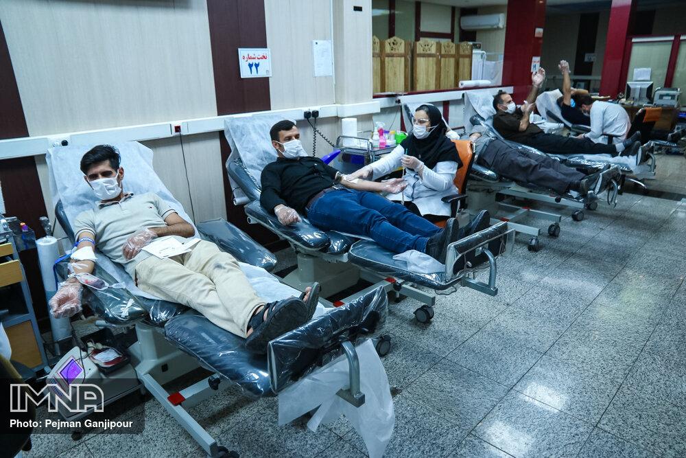 ۸۳۰ اصفهانی در شبهای قدر خون اهدا کردند