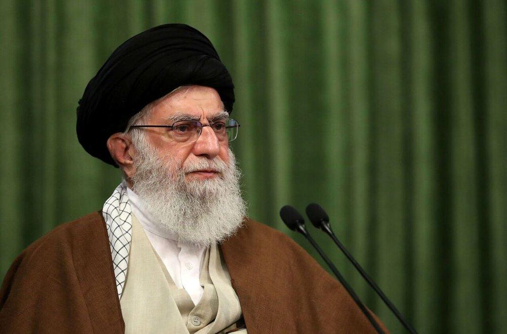 رهبر انقلاب: گذشت زمان نمیتواند سبب فراموشی یاد شهدا شود