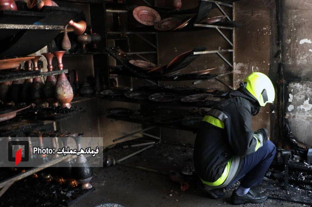 جوان ۲۳ ساله در آتشسوزی خیابان هاتف آسیب دید+ عکس