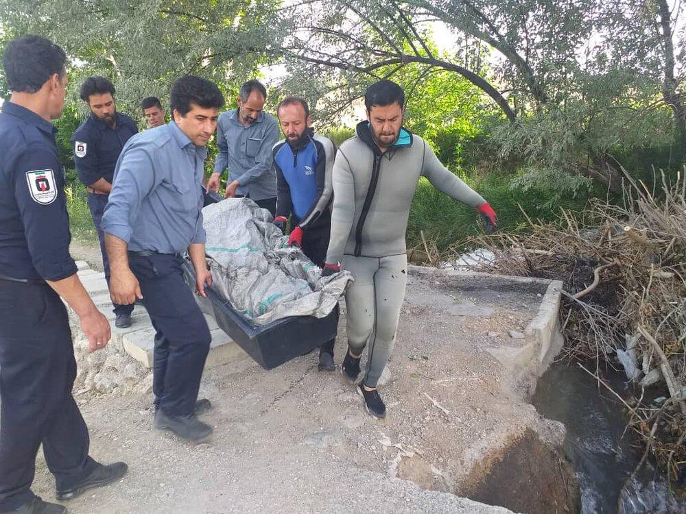 سه کودک در استخر غرق شدند