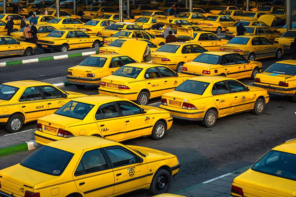 برخورد قانونی تاکسی دارانی که مسافر بدون ماسک سوار می کنند