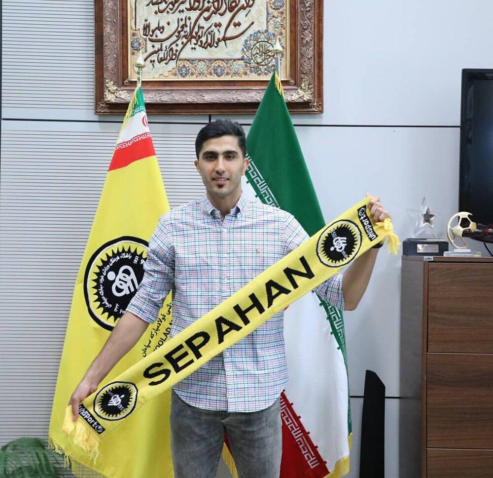 محمدی راد در آینده حرفهای زیادی برای گفتن دارد/باشگاهها قرارداد هارا پرداخت نمیکنند