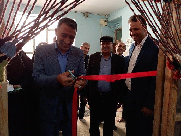 افتتاح دو کارگاه بافتههای داری در مرکز سمیرم