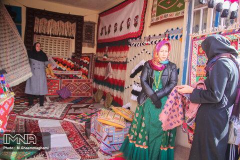 شاغلان صنایع دستی در روستاها هم بیمه میشوند