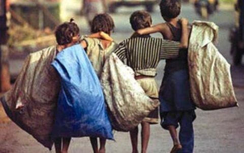 بکارگیری کودکان توسط پیمانکاران پسماند را گزارش دهید