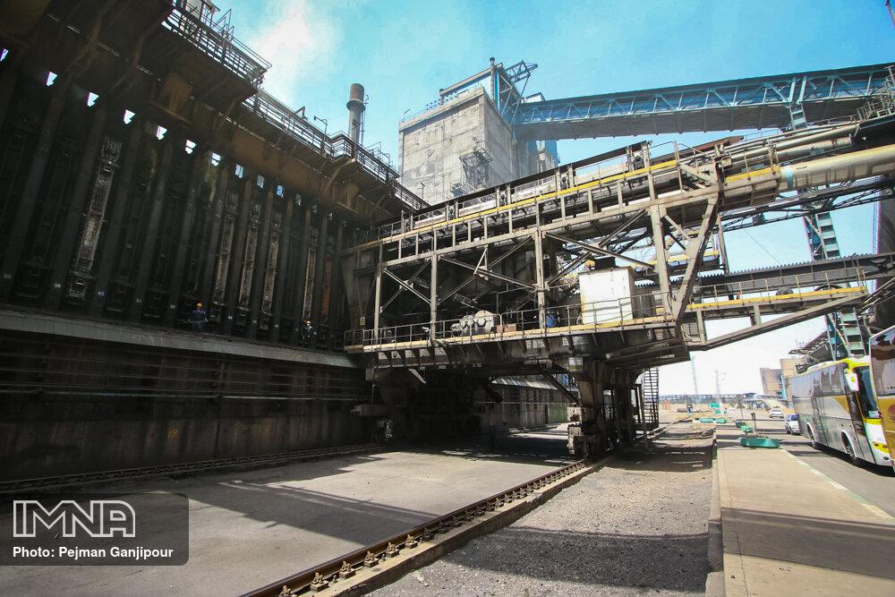 اجرای ۸۸ درصدی برنامه اشتغال ۹۹ / بازگشت ۱۴۰۰ واحد صنعتی راکد به چرخه تولید