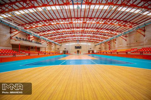 انتقاد امام جمعه از طولانی شدن پروژه ساخت استخر ورزشی چادگان