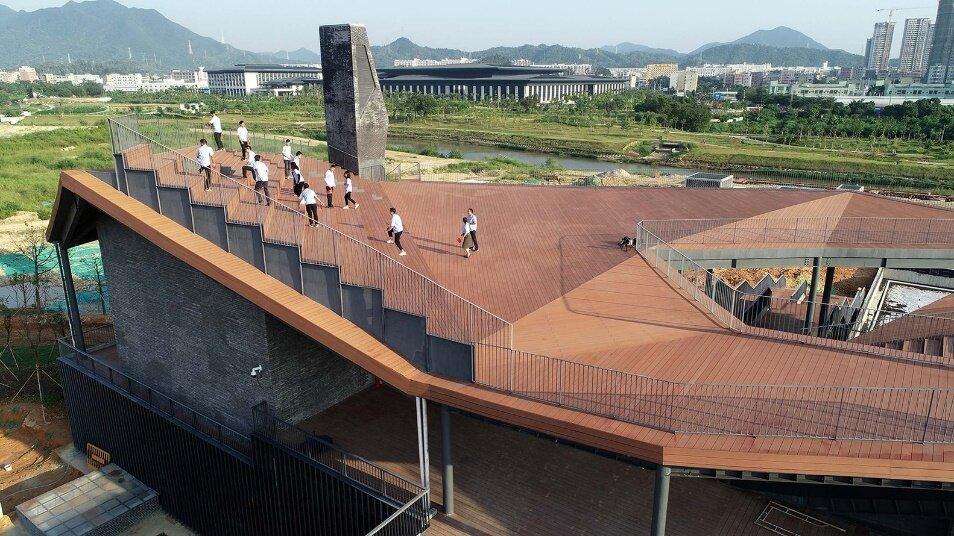 """ساخت """"ایوان شهری"""" شنژن چین بر فراز ایستگاه تصفیه آب!"""