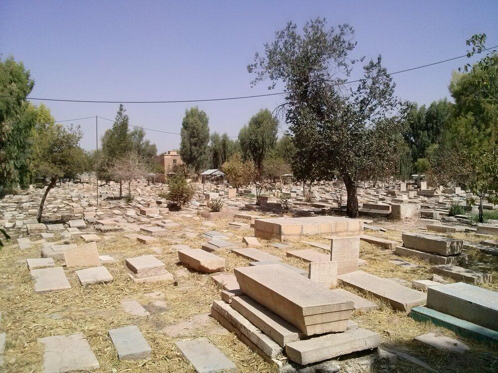 رونمایی از المان قبرستان عیلامیان در بوشهر